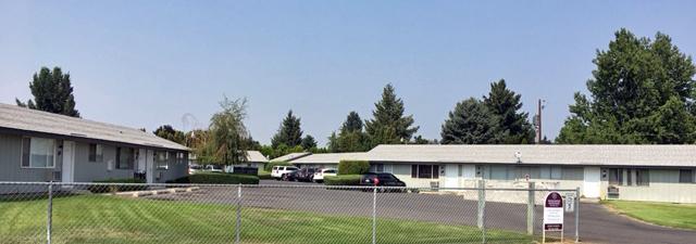 Yakima apartment community exterior front
